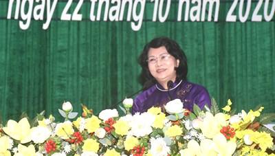 Phó Chủ tịch nước dự Đại hội thi đua yêu nước tỉnh Kon Tum