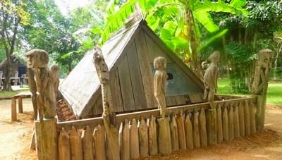 Nhà mồ - nét văn hóa tâm linh của người Gia-rai