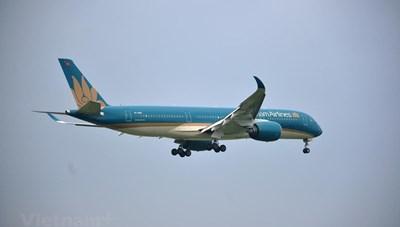 Vietnam Airlines tăng chuyến bay 'cõng' khách bị ảnh hưởng bão số 6