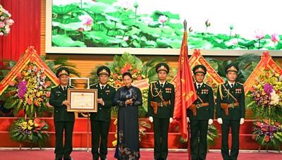 Báo Quân đội nhân dân nhận Huân chương Độc lập hạng Ba
