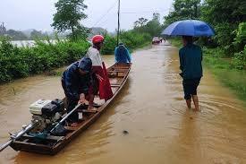 Tiếp nhận, cấp cứu bệnh nhân trong mưa lũ