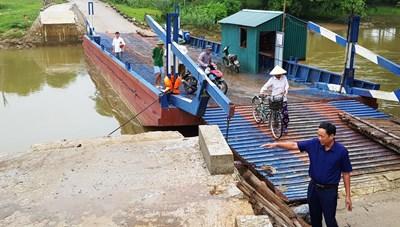Gần 800 hộ dân phải 'nín thở qua sông': Đề nghị xây cầu cứng thay cầu phao