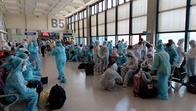 Hơn 240 công dân từ Đài Loan về nước an toàn