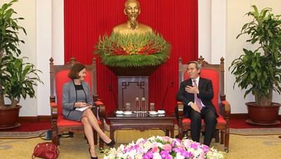 Trưởng Ban Kinh tế Trung ươngNguyễn Văn Bình tiếpĐại sứ Úc tại Việt Nam