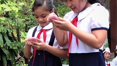 Học sinh được sử dụng điện thoại- nên hay không?