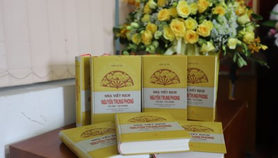 Nhà viết kịch Nguyễn Trung Phong:  Huyền thoại của dân ca ví, giặm