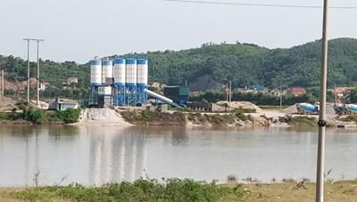 Trạm trộn bê tông hoạt động không phép ở Bắc Giang: Chính quyền bất lực hay dung túng?
