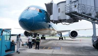 Chuyến bay thương mại quốc tế đầu tiên của Vietnam Airlines