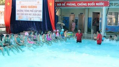 Tiền Giang: Phổ cập bơi cho hơn 1.200 học sinh