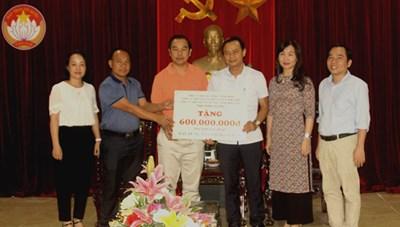 Ba DN ở Bình Dương tặng 600 triệu đồng xây nhà cho người nghèo Hà Tĩnh