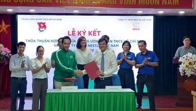 Xây dựng 30 sân chơi năng động Việt Nam từ sản phẩm tái chế
