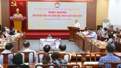 BẢN TIN MẶT TRẬN: Tập huấn công tác dân chủ, pháp luật năm 2020
