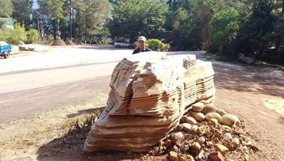 Quảng Nam: Trả 60 tấn đá tại danh thắng hồ Phú Ninh về chỗ cũ