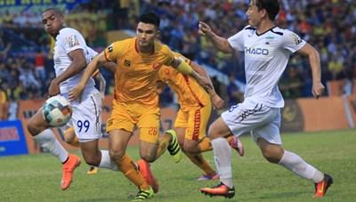 Vòng 11 V.League: Khúc cua quyết định