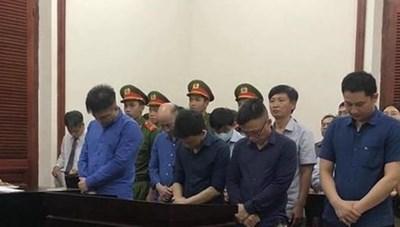 TP Hồ Chí Minh: Ba cán bộ hải quan lãnh án tù do buôn lậu