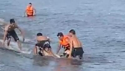 Một nam sinh lớp 11 đuối nước khi tắm ở bãi biển Quất Lâm