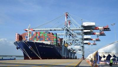 Cân nhắc khi tăng phí dịch vụ hàng hải