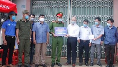 Mặt trận Đắk Lắk vận động gần 350 triệu đồng phòng, chống Covid-19