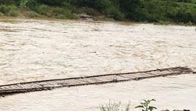 Tìm thấy thi thể 2 trẻ em bị nước lũ cuốn trôi ở huyện Mường Chà
