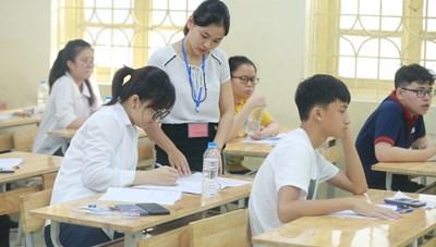 Hà Nội tuyển sinh lớp 10 bổ sung: 39 trường hạ điểm chuẩn