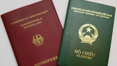 Công chức, đại biểu Quốc hội có được mang 2 quốc tịch?