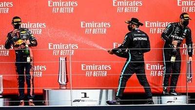 Red Bull lên ngôi tại chặng đua kỷ niệm 70 năm F1