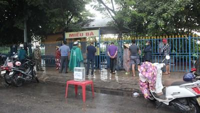 Quảng Nam: Người đàn ông lang thang nằm chết ở Miếu Bà