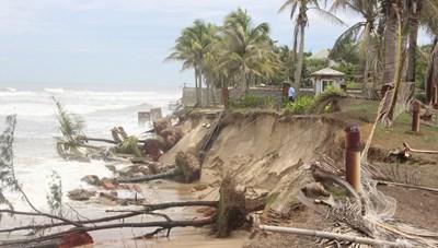 Quảng Nam: 200 tỷ đồng khẩn cấp chống xói lở bờ biển Cửa Đại