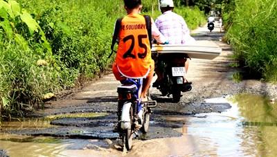 Đường nhiều ổ voi tại Cần Thơ: Sẽ dặm vá tạm cho người dân đi lại