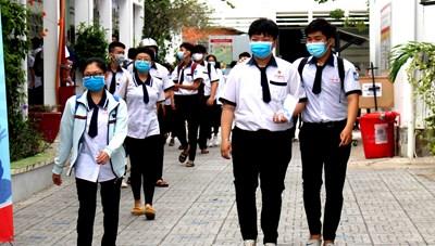 ĐBSCL: Nhiều địa phương 'siết' việc đeo khẩu trang nơi công cộng