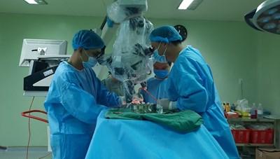 Cần Thơ: Phẫu thuật khối u màng não khổng lồ sau 10 tiếng đồng hồ