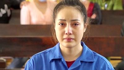 An Giang: Án chung thân cho 'hotgirl' Cà Mau vận chuyển hơn 4 kg ma tuý
