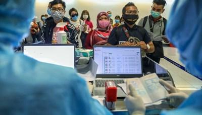 3.000 người nước ngoài được cấp phép vào TP HCM