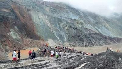 Lở đất như 'sóng thần' chôn vùi mỏ ngọc bích Myanmar