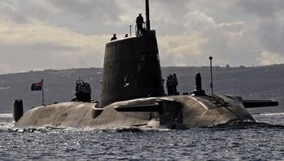 Anh không có tàu ngầm để thử ngư lôi