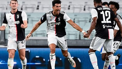 Ronaldo tỏa sáng giúp Juventus vô địch Serie A sớm hai vòng đấu