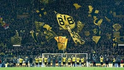 Đức: Bundesliga lên kế hoạch đón khán giả trở lại các sân bóng