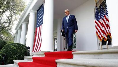 Tổng thống Trump bác cáo buộc 'nộp thuế thấp hơn dân thường Mỹ'