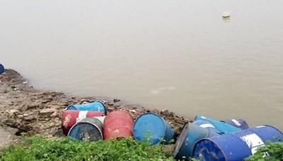 Vẫn còn hiện tượng xả thải, đổ trộm chất thải, bức tử môi trường