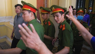 Hoãn xử 'trùm ma túy' Văn Kính Dương