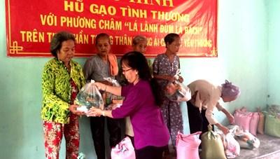 'Hũ gạo tình thương' ở Kiên Giang