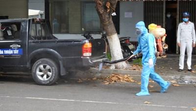 Đà Nẵng: Khử trùng tiêu độc trên diện rộng, hạn chế lây nhiễm chéo