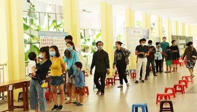 Xét nghiệm cho 700 du khách kẹt lại Đà Nẵng