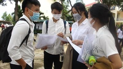 Gia Lai: Xem xét đặc cách tốt nghiệp cho học sinh bị tai nạn giao thông