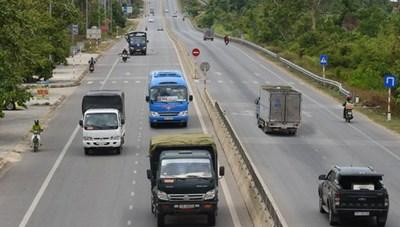 Hà Nội: Hơn 200 ô tô kinh doanh vận tải bị tước phù hiệu do vi phạm tốc độ