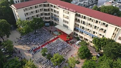Khai giảng nhanh gọn giữa mùa Covid-19 ở ngôi trường THPT tự chủ duy nhất tại Hà Nội