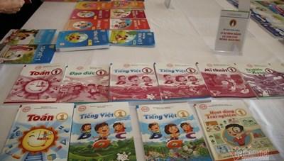 Sách giáo khoa cho năm học mới:  Vừa thừa, vừa thiếu
