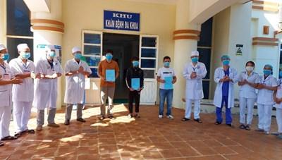 Quảng Ngãi: 3 bệnh nhân Covid-19 được xuất viện