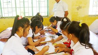 Tăng chất lượng dạy tiếng dân tộc thiểu số trong trường học