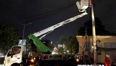 Thừa Thiên-Huế: Khắc phục sự cố lưới điện sau cơn bão số 5